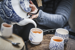 pouring tea, upstream tea ceremony